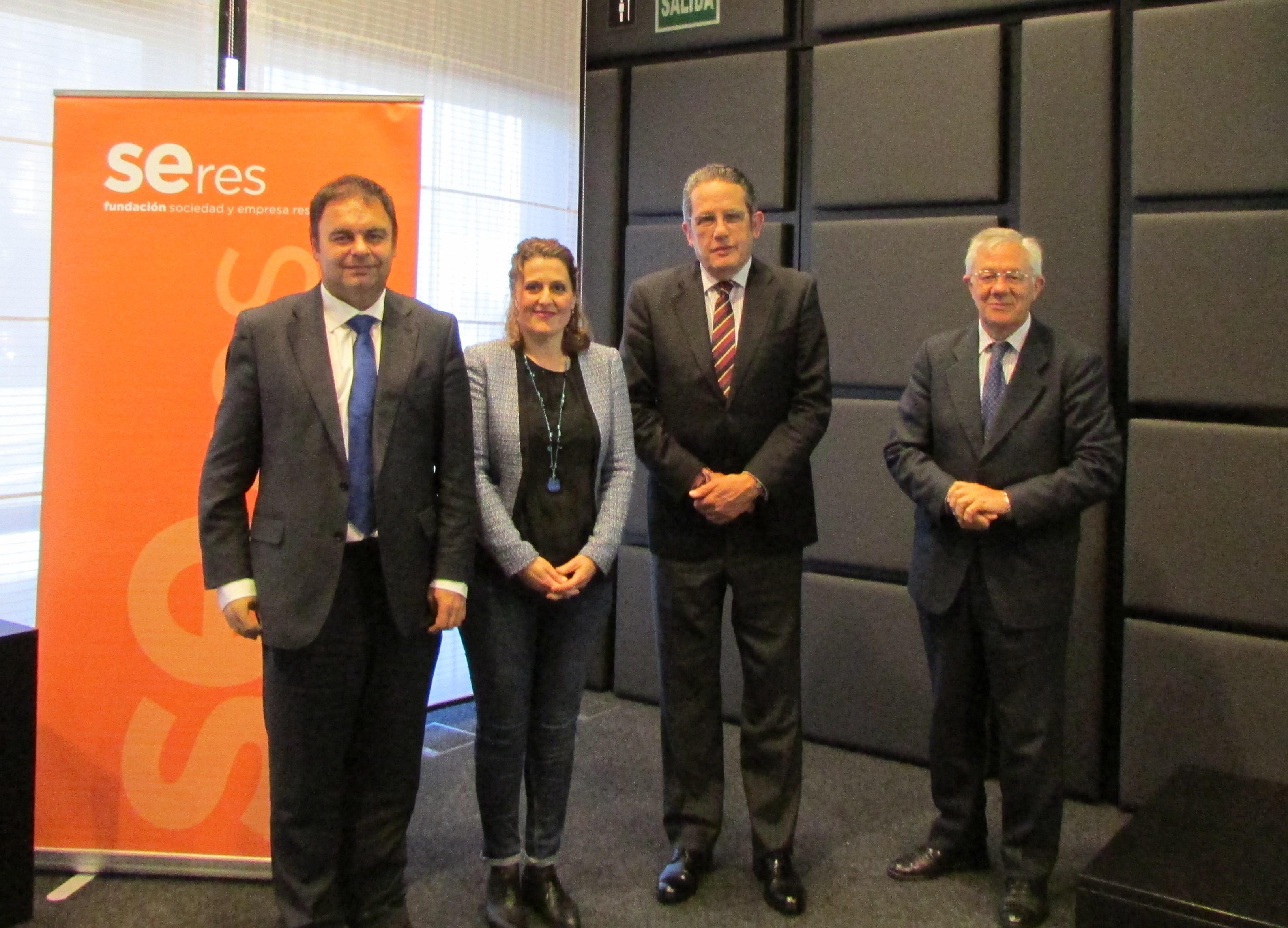 Fundación SERES y Plataforma del Voluntariado de España celebran una jornada formativa sobre el nuevo marco legal del voluntariado