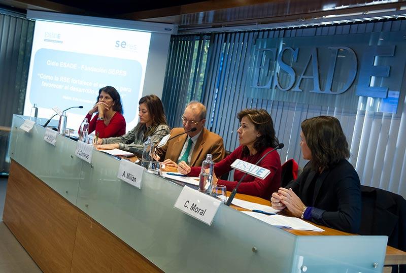 Fundación Accenture, Ferrovial y Telefónica coinciden en ESADE en la importancia de la empresa para transformar la sociedad