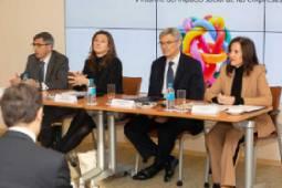 Presentación a prensa del V informe SERES - Deloitte