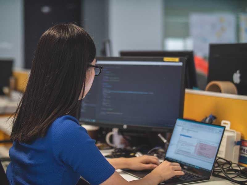 mujeres en tecnologia